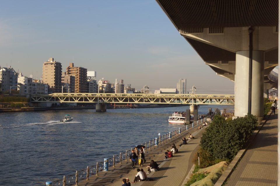吾妻橋桟橋の高台からの全景