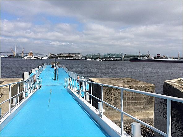 大さん橋ふ頭ビル前桟橋の全体写真