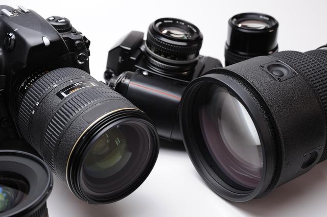 さまざまなカメラとレンズ