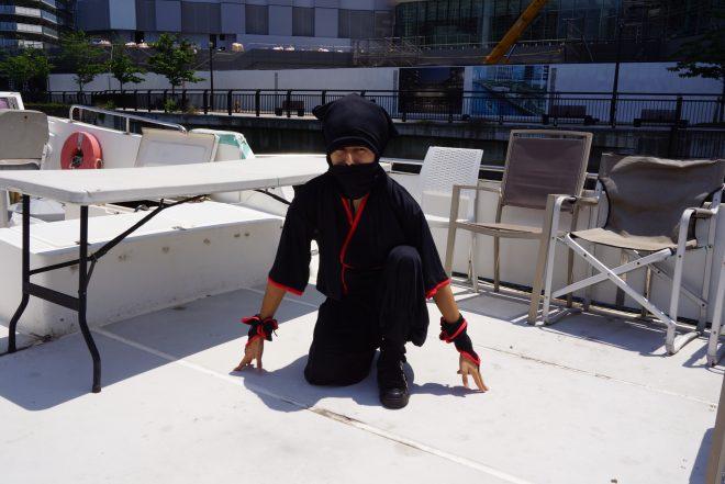船上での忍者パフォーマンス