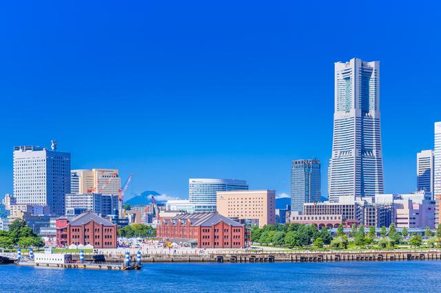 横浜港から眺めるみなとみらい地区