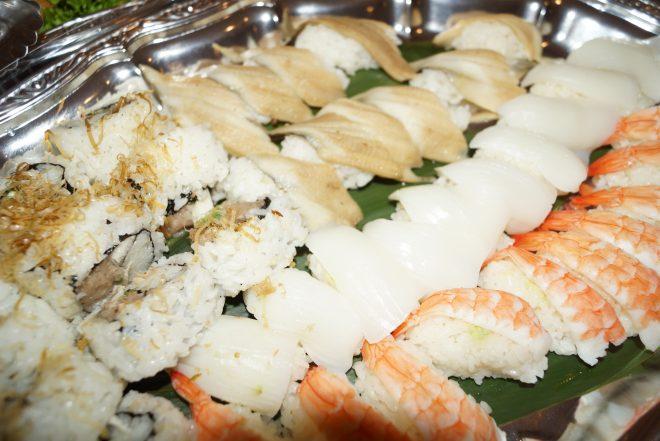 並べられた握り寿司の数々
