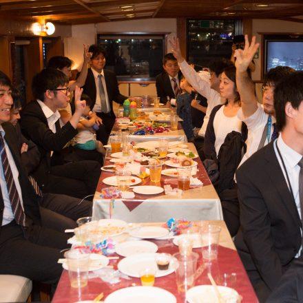 船内での宴会の風景