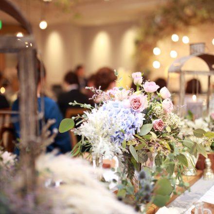 パーティー会場のテーブルに飾られてた花