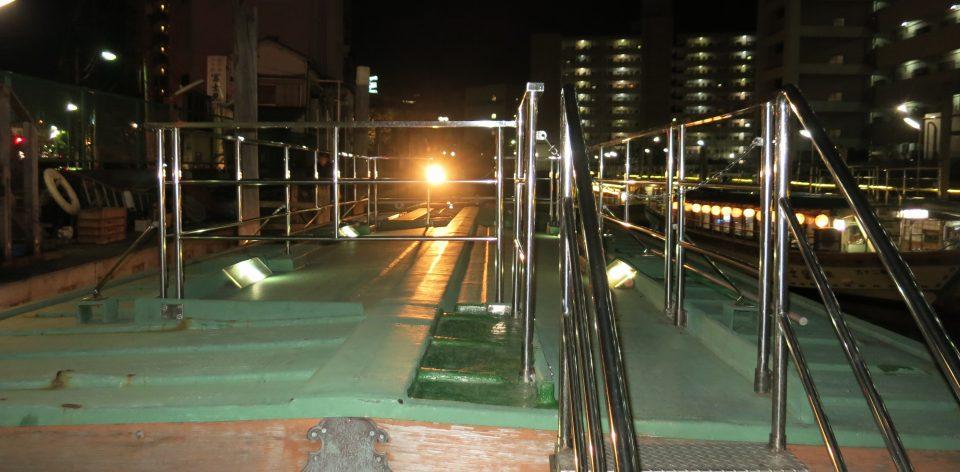 屋形船の屋上デッキ