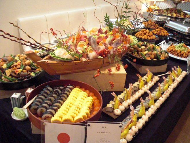 豪華に並んだ日本料理の数々