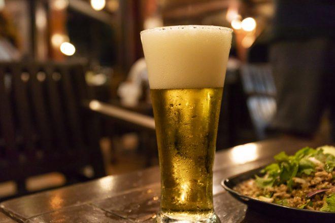 冷えたグラスビール