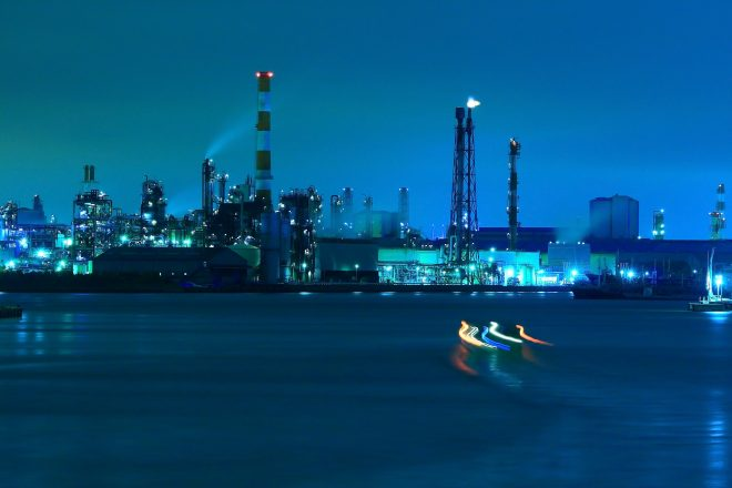 神秘的な工場夜景