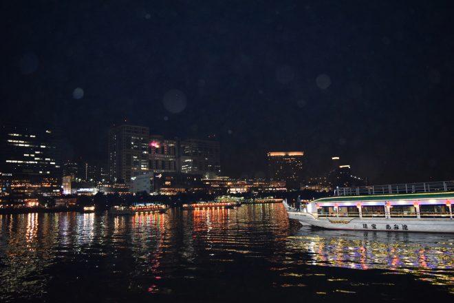ロマンチックな景色を眺められる屋形船