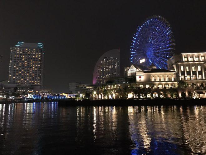 海から見る夜景