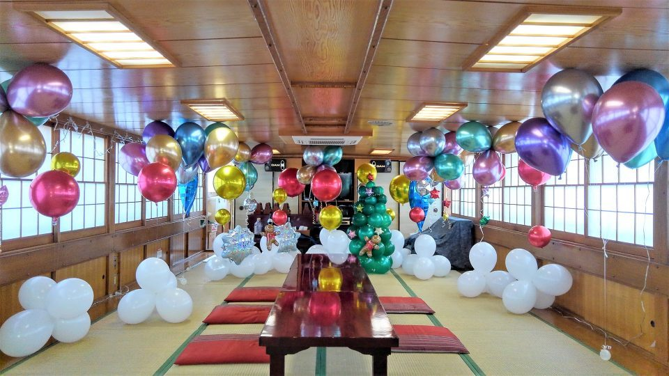 Inside the yakatabune beautifully decorated with balloons