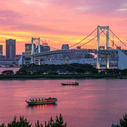 夕暮れ時の東京湾