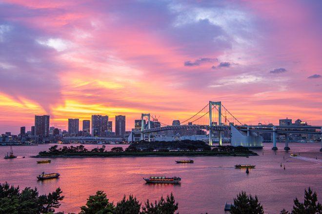夕暮れの東京湾