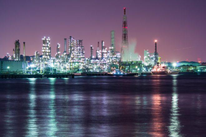 京浜工業地帯の工場夜景