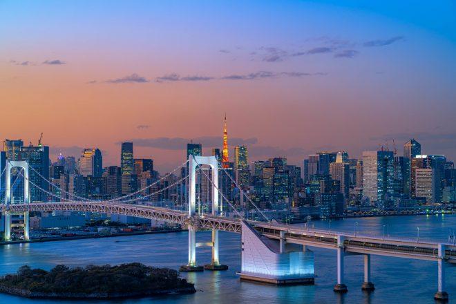 夕暮れ時の東京の景色