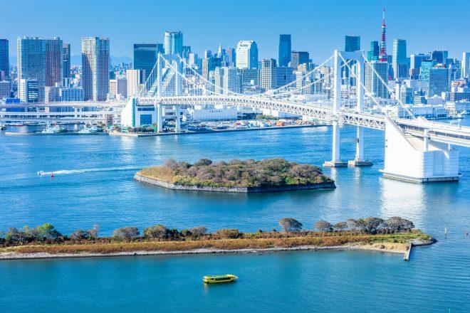 東京タワーや都会のビル群
