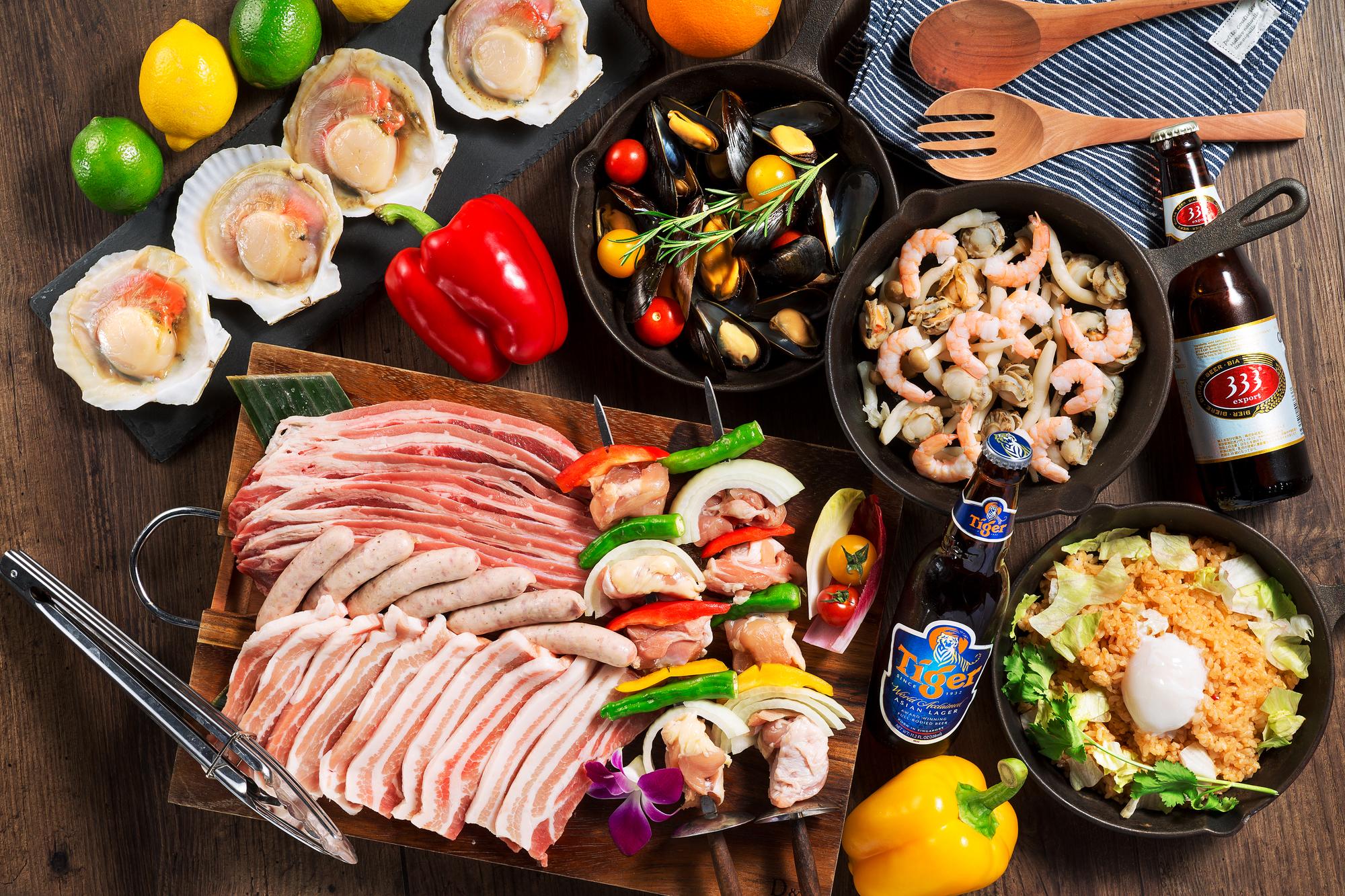 お肉、野菜などのバーベキューに必要な食材